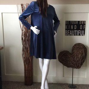 Old Navy denim blue long sleeve trapeze dress